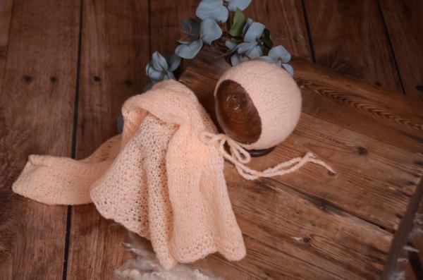 Set Wrap aus glatter Angora mit Mütze in Lachsfarbe