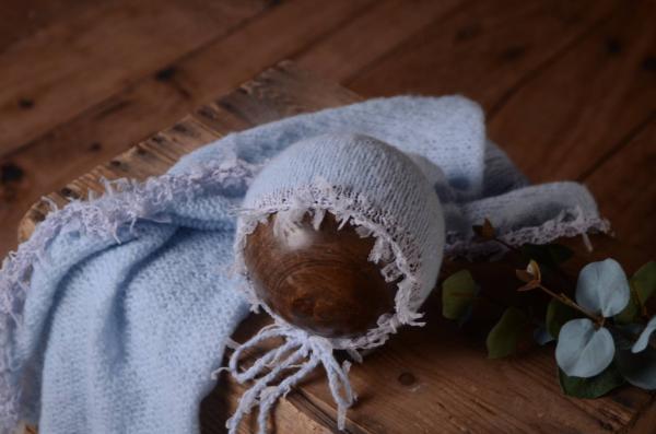 Set Wrap und Mütze aus Angora Fantasie in Babyblau
